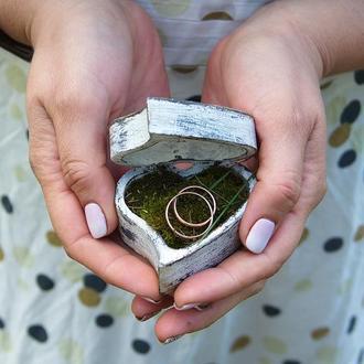 шкатулка для колец с натуральным мхом