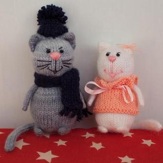Котики (кот и кошка)