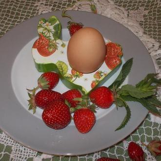 """кольца для салфеток, подставка под яйца """"клубничные зайцы"""""""