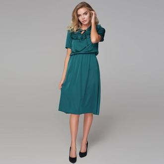 Платье с кокеткой и коротким рукавом зеленое