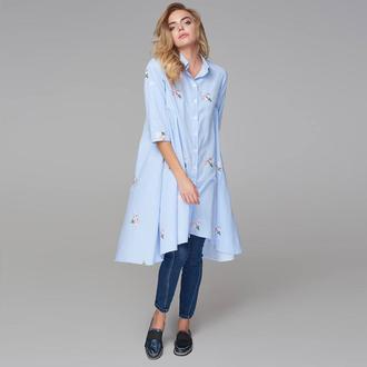 Платье расклешенное в полоску с вышивкой