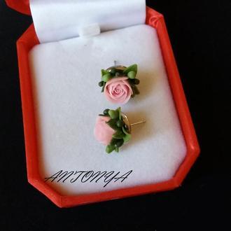 Серьги-гвоздики с персиковыми розами