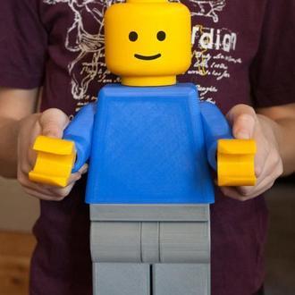 Лего-человечек держатель туалетной бумаги
