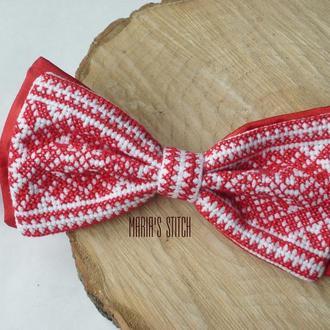 Бабочка-галстук с вышивкой