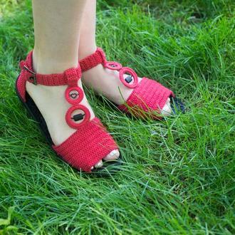 Красные вязаные уличные босоножки ′Красное лето′ с кожаной стелькой