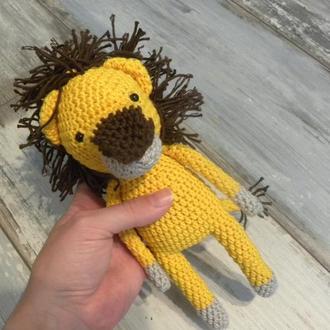 Лев - игрушка