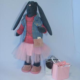 Интерьерная текстильная игрушка зая - модница