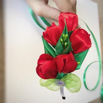 Обруч з атласними квітами. Аксесуар для костюма весняної квітки