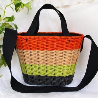 Плетеная полосатая сумка