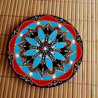 Декоративная деревянная тарелка   роспись. В технике зентангл, дудлинг. 17 см.