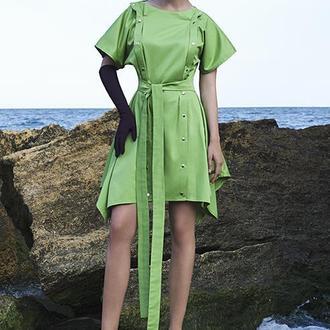 Платье с двойным рядом кнопок и поясом