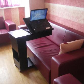 столик для ноутбука ручной работы