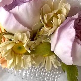 Гребень с реалистичными цветами