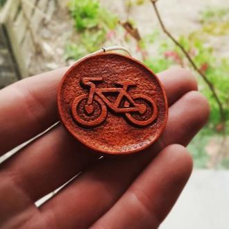"""Кулон """"Велосипед"""" ручної роботи з дерева"""