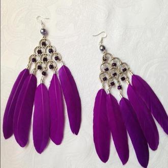 Длинные серьги с фиолетовыми перьями
