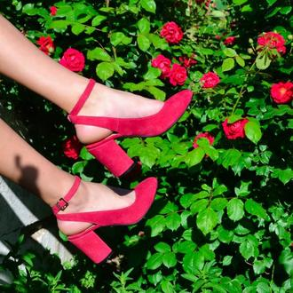 Lilu Pink - босоножки на устойчивом каблуке