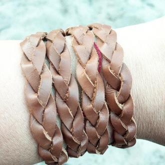 Стильний плетеный браслет
