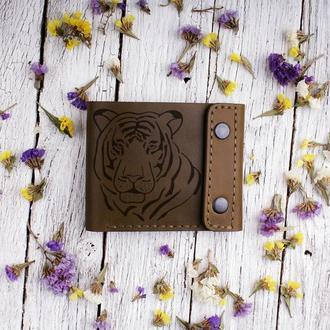 """Кожаный мужской кошелек с Вашей личной гравировкой """"Тигр"""""""