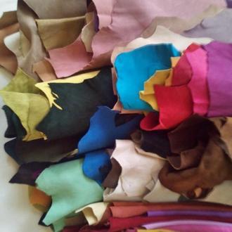 Цветной замш / велюр натуральный в шкурках или в отрезах