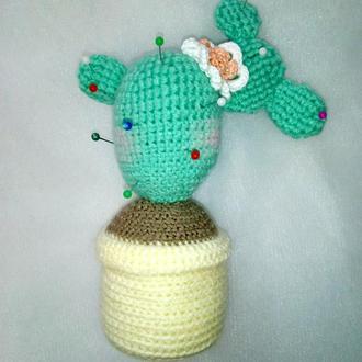 Игольница-кактус-амигуруми