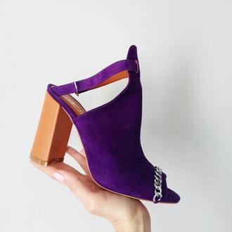 Кожаные босоножки на устойчивом каблуке Sparkle Ultro violet