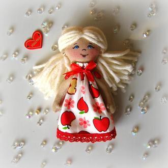 Маленька лялечка