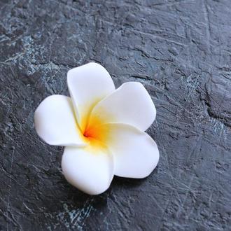 Экзотический цветок плюмерии в волосы. Легкий и невесомый. Невестам в прическу. Для фотосессии