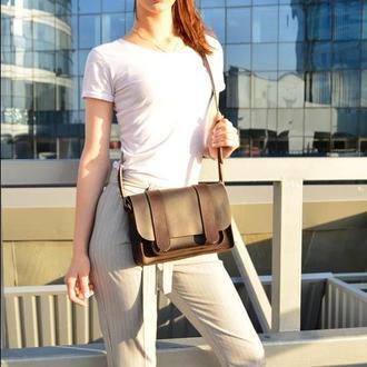 Кожаная женская  сумочка через плечо шоколад  Сэтчел