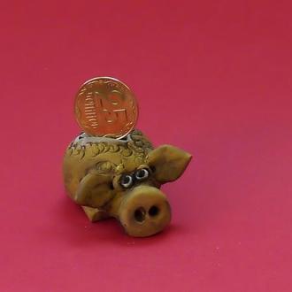 Статуэтка свинка №17