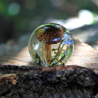 Кулон шар с лесной поляной.