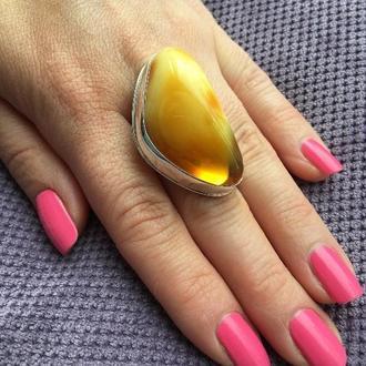 Замечательное серебряное кольцо с янтарем