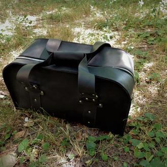 Кожаная спортивная сумка.