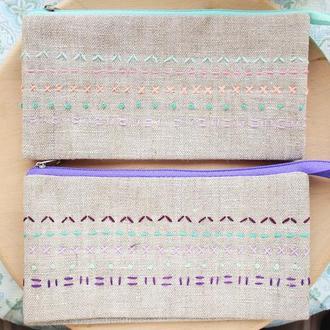 Кошелек-косметичка с двумя отделениями и вышивкой ручной работы