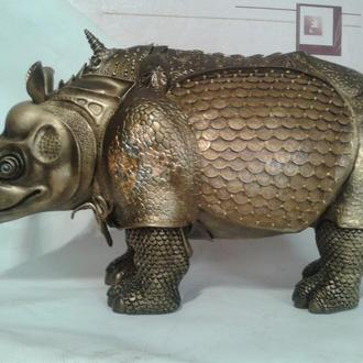 носорог- ручная работа