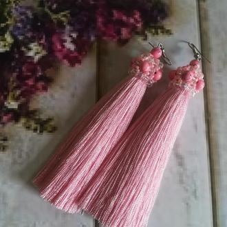 Розовые серьги кисти