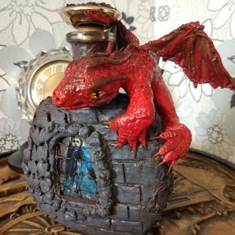 """Сувенирная бутылка """" Красный дракон""""  ручная работа"""