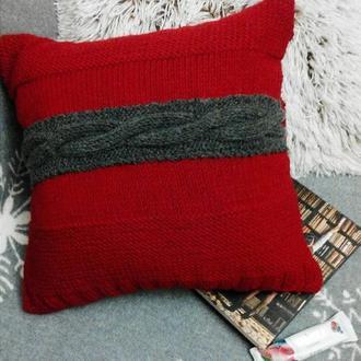 Вязанная подушка ручной работы