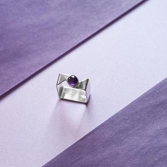 Серебряное квадратное кольцо с аметистом