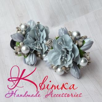 Резинки с серебристо-серыми цветами