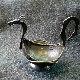 Кубок с головой дракона