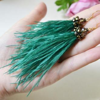Серьги- перья изумрудного цвета