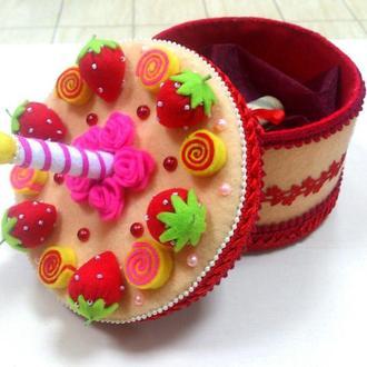 Торт шкатулка подарок из фетра