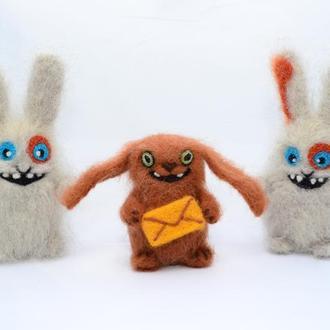 Игрушки валяные из шерсти. Зайцы Мегабайт и СМС