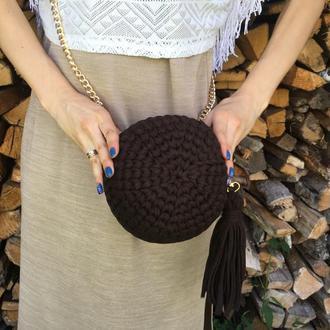 Кругла сумка трикотажна в'язана, клатч з пензликом на ланцюжку шоколадного кольору вечірня сумочка