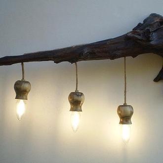 Деревянный LED cветильник настенный из элементов дуба и акации