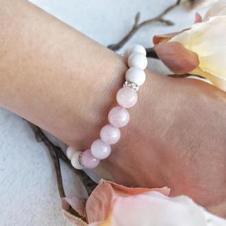 Нежный летний браслет из агата и розового кварца