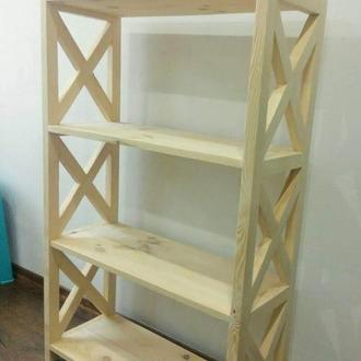 Деревянный стеллаж для игрушек.
