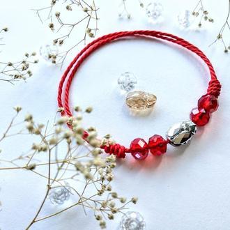 Красная нить с кристаллами Swarovski