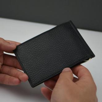 Мужской кожаный зажим для купюр или портмоне черного цвета с возможностью нанесения гравировки