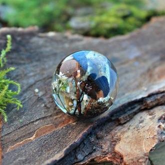 Кулон шар с грибами и лишайниками